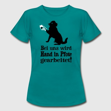 Hund - Hand in Pfote - Frauen T-Shirt