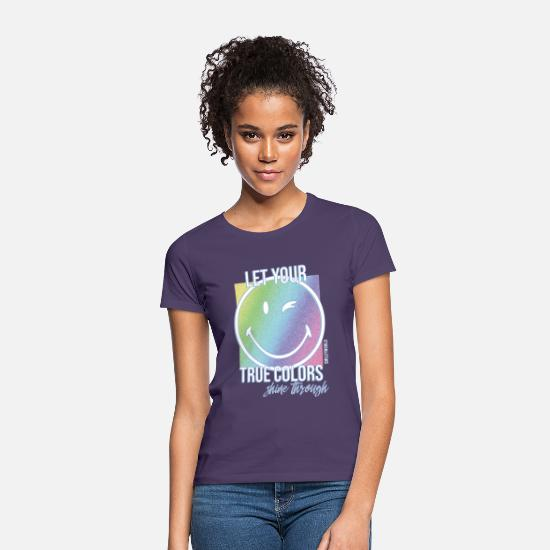 Gay Pride T-Shirts - SmileyWorld Let Your True Colors Shine Through - Frauen T-Shirt Dunkellila