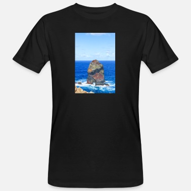 Portugal Landscape and Rock formations at Madeira island - Männer Bio T-Shirt