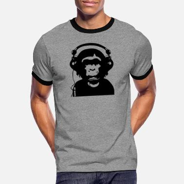 Music by POP CHIMPS - Männer Ringer T-Shirt