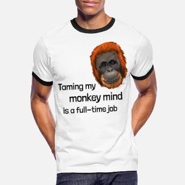 Little Sister Affe - training my monkey mind is a full-time job - Men's Ringer T-Shirt