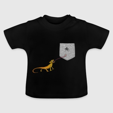 Lizard Tongue Reach For Fly i falsk lomme - Baby T-shirt