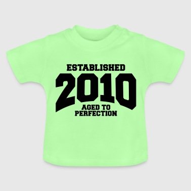 aged to perfection established 2010 (sv) - Baby-T-shirt