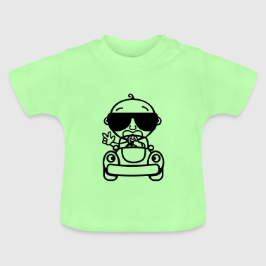 Baby Cool fährt Auto - Baby T-Shirt