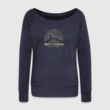There Is Someone I Will Never Forget - Frauen Pullover mit U-Boot-Ausschnitt von Bella