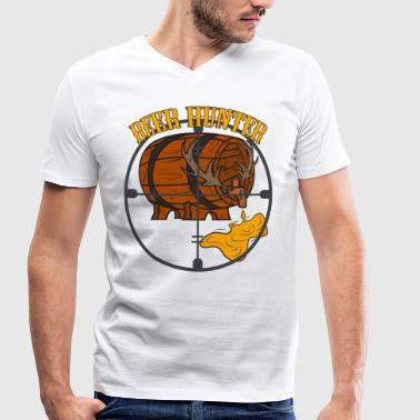 Beer Hunting Beer barrel hunting crosshairs drinking Oktoberfest beer - Men's Organic V-Neck T-Shirt by Stanley & Stella