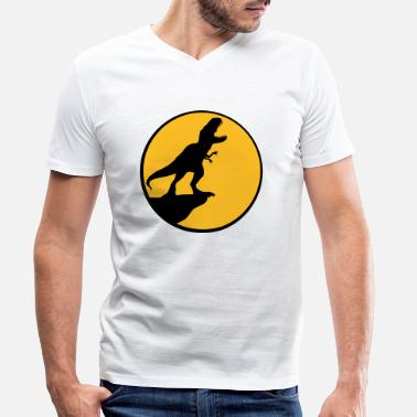 Dinosaurs moon night cliff howling wolf silhouette black out - Men's Organic V-Neck T-Shirt