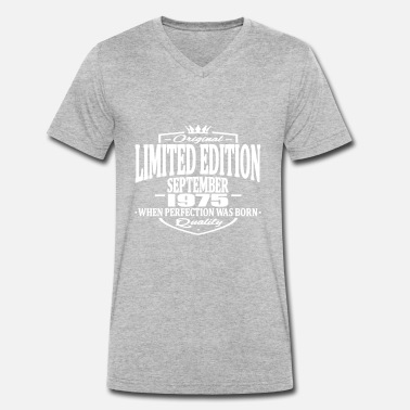 1975 Limited Edition Limited edition september 1975 - Men's Organic V-Neck T-Shirt by Stanley & Stella