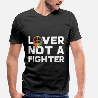 Lover Not A Fighter Lover not a Fighter LGBT LGBTQ Gay Pride Flag - Männer Bio-T-Shirt mit V-Ausschnitt von Stanley & Stella