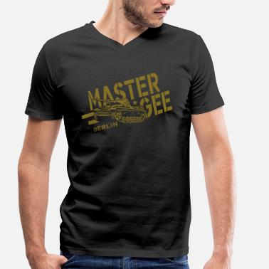 Gee-gee Master Gee Tank Hood Chiller Berlin - Men's Organic V-Neck T-Shirt by Stanley & Stella