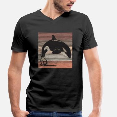 Wales Killer Whale Retro killer whale whale - Men's Organic V-Neck T-Shirt by Stanley & Stella