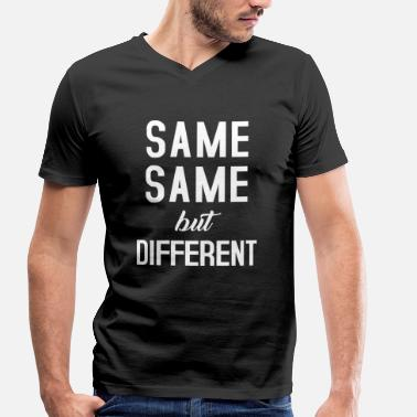 Same Same But Different Same Same - Mannen bio T-shirt met V-hals van Stanley & Stella