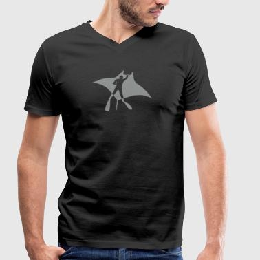 manta ray fish scuba diving dive diver ocean - Men's Organic V-Neck T-Shirt by Stanley & Stella