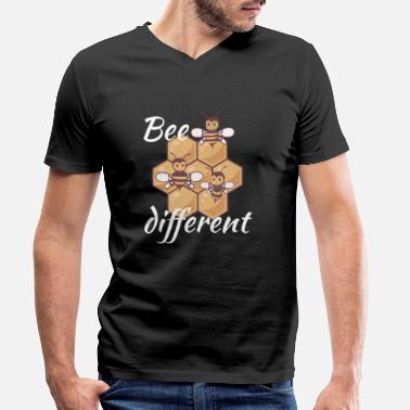 Different Bee different | Be yourself | Be special - Men's Organic V-Neck T-Shirt