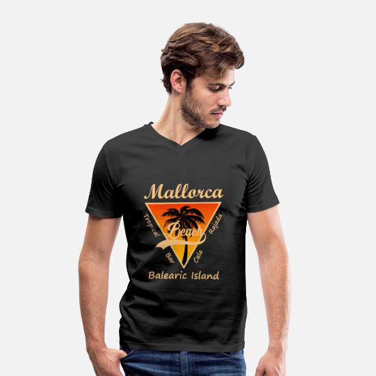 Harbour T-Shirts - Mallorca Cala Rajada holiday beach sunset - Men's Organic V-Neck T-Shirt black