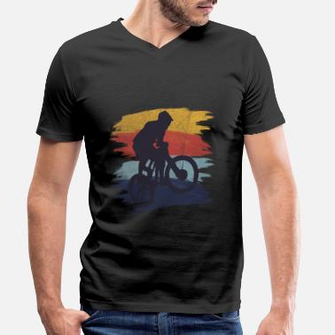 Bike Mountain biking - Men's Organic V-Neck T-Shirt