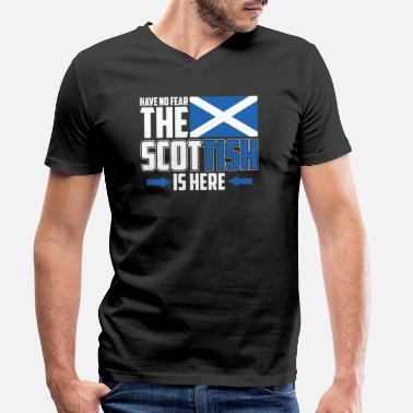 Scotland Do not be afraid, the Scot is here - Men's Organic V-Neck T-Shirt
