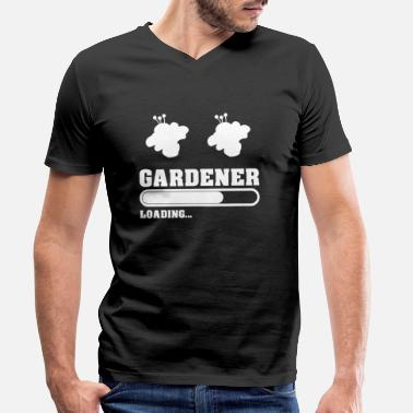 The gardener loads with flowers - Men's Organic V-Neck T-Shirt