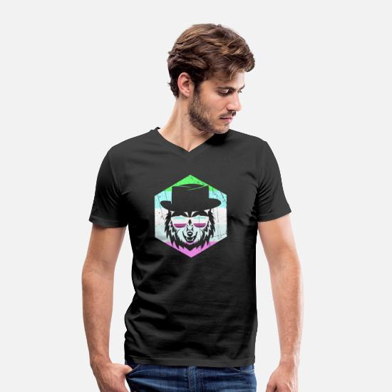 Birthday T-Shirts - Raccoon with hat and sunglasses - design - Men's Organic V-Neck T-Shirt black