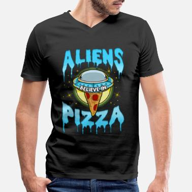 Aliens believe in Pizza - Men's Organic V-Neck T-Shirt
