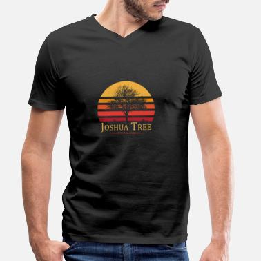Tree Joshua Tree National Park USA California Gift - Men's Organic V-Neck T-Shirt