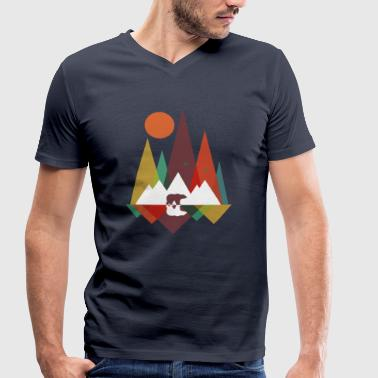 Bear in the mountains - Men's Organic V-Neck T-Shirt by Stanley & Stella