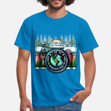 Polaroid Photographer Adventure Shirt - Men's T-Shirt