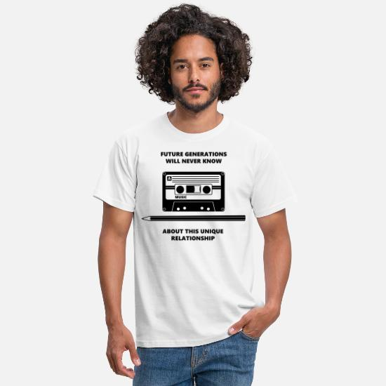 Sjove T-shirts - Audio Tape Stift Pencil Relationship - T-shirt mænd hvid