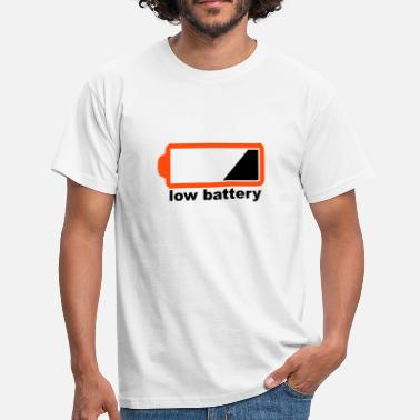 Low Battery low battery - Männer T-Shirt