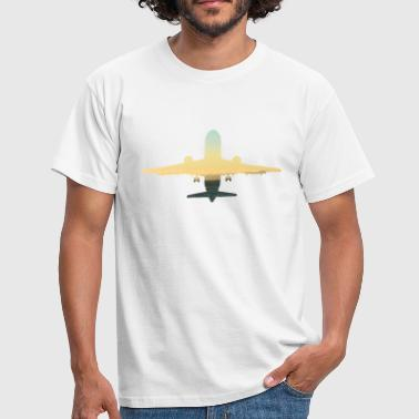 Take off, sunset plane with panorama - Men's T-Shirt