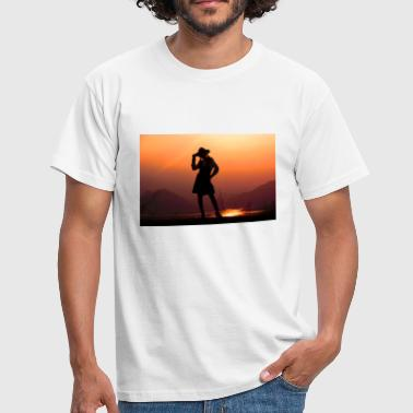Silhouette in front of the lake - Men's T-Shirt