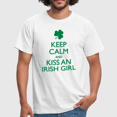 Kiss an Irish Girl - Männer T-Shirt