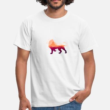 Lion in the sunset - Men's T-Shirt