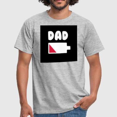Daddy Battery Dad battery - Daddy - Father's Day - Father - Men's T-Shirt