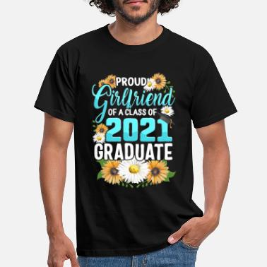 College Family of Graduate Matching Shirts Proud - Men's T-Shirt