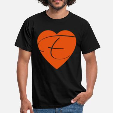 Marriage Proposal Valentine's day heart with letter E - Men's T-Shirt