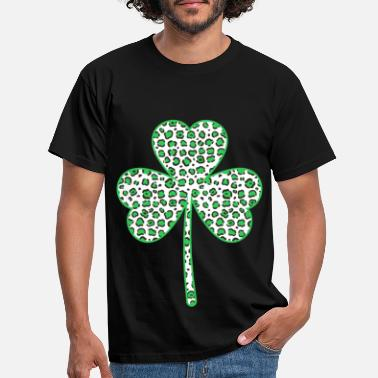 Beautiful shamrock in camouflage colors design - Men's T-Shirt