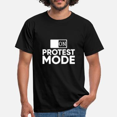 Protester protest - Men's T-Shirt