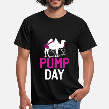 c1494368 Distressed Pump Day Gym Lifting Camel - Men's T-Shirt