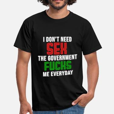 Politics politics - Men's T-Shirt