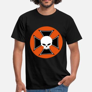 Maltese Cross skull and maltese cross - Men's T-Shirt