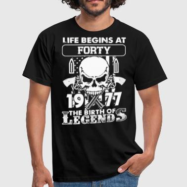 1977 the birth of the Legends shirt - Men's T-Shirt