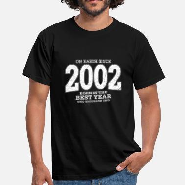 2002 On Earth since 2002 (white oldstyle) - Männer T-Shirt