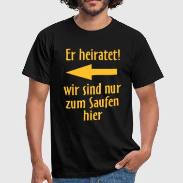 Er heiratet links, original RAHMENLOS® Design - Männer T-Shirt