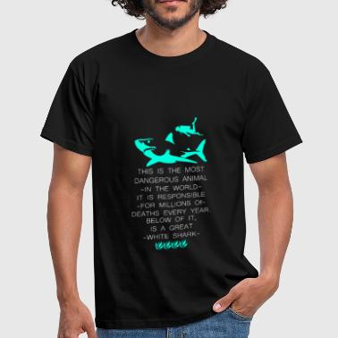 Diving with the dangerous shark - Men's T-Shirt