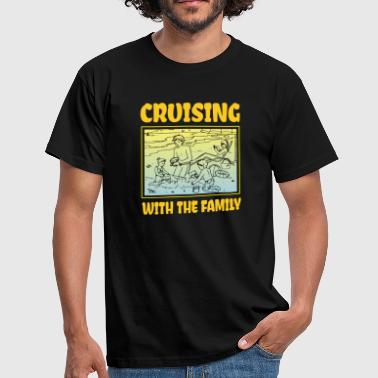 Family outing beach - Men's T-Shirt