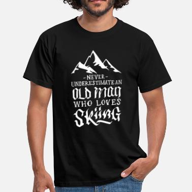 Oom Opa Never Underestimate An Old Man Who Loves Skiing - Mannen T-shirt