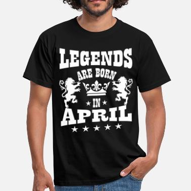 April  Legends are born in April Lions Crown Birthday - Männer T-Shirt