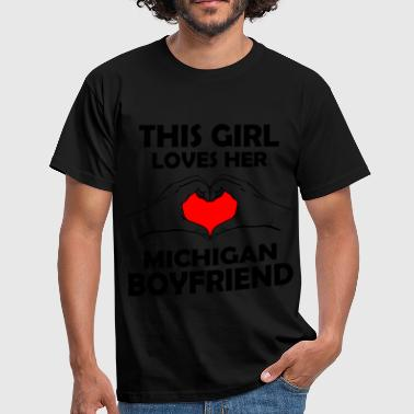 this girl michigan boyfriend - Men's T-Shirt