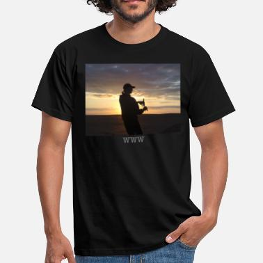 KITE FLYER - Men's T-Shirt